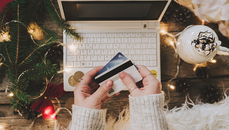 10 Tips for using a credit card for your holiday shopping